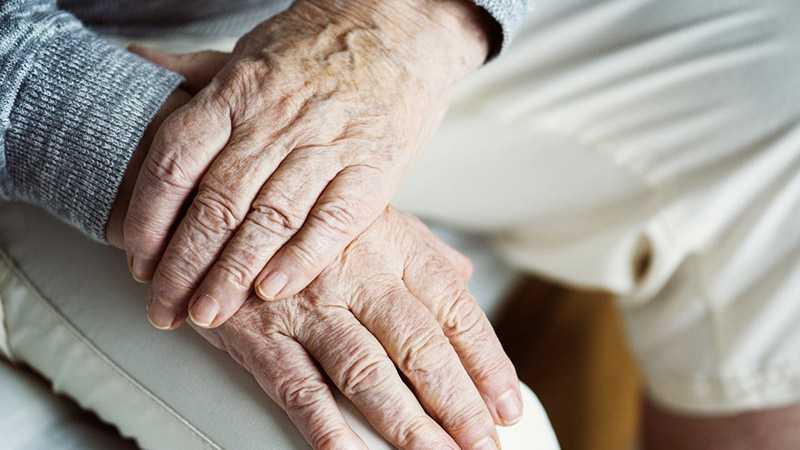 Profilaktyka samobójstw u osób w wieku senioralnym - Biolit